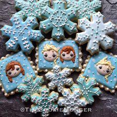Anna y Elsa Chibis Olaf Cookies, Frozen Cookies, Snowflake Cookies, Galletas Cookies, Cookies For Kids, Baby Cookies, Frozen Cake, Iced Cookies, Royal Icing Cookies