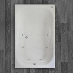BANHEIRA CORAL DUPLA ACOMODAÇÃO COM HIDRO 1,80 X 1,20 X 0,49 Com um belo design que oferece conforto e bem estar, a Banheira Coral é fabricada com produtos de alta qualidade e acompanha os seguintes acessórios:     4 Jatos cromados 1 Entrada de água 1 Saída de água 1 Entrada de ar (arejador) 1 Sucção 1 Motor bomba 1/2 cv Tubulação de água dos bicos de hidromassagem Tubulação de ar dos bicos de hidromassagem