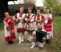 RUSSIA : VOLGA RIVER : Russian musicians in traditional clothing in a village along the Volga