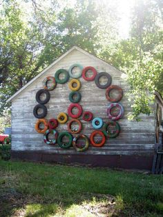 This art that makes me happy: Junkstock. and other vintage love This art that makes me happy: Junkstock. and other vintage love Hippie Peace, Happy Hippie, Hippie Art, Hippie Life, Hippie Crafts, Hippie Chic, Tyres Recycle, Reuse Recycle, Recycled Tires
