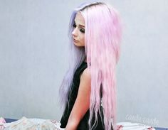 long pastel grunge hair I love the way half is a pale violet and the other half is a light pink