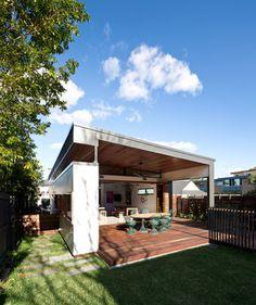 Moreton Street contemporary-deck