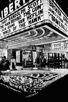 View Wings of the Hawk, New York by William Klein on artnet. Browse upcoming and past auction lots by William Klein. Co Berlin, Street Photography, Art Photography, Photography Lessons, Photography Gallery, Photography Magazine, Landscape Photography, Travel Photography, Fashion Photography