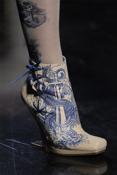 Oh my goodness, I am in Blue Danube heaven with this bootie.
