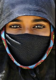 bedouin woman in black desert | egypt