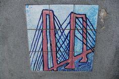 Tegels in het bruggehoofd van de oude spoorbrug, Rotterdam