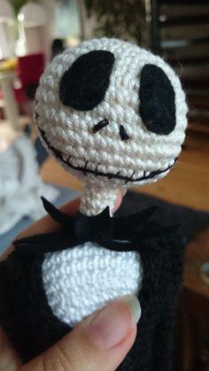Jack Skellington crochet pattern 16 inch, ready for halloween and chrismas - Decor Tips 2019 Crochet Double, Crochet Round, Single Crochet, Jack Skellington, Crochet Pour Halloween, Halloween Crochet Patterns, Crochet Crafts, Crochet Toys, Crochet Projects