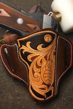 Leather tooled holster for 1911 Leather Carving, Leather Tooling, 1911 Holster, Pistol Holster, Leather Crafts, Leather Projects, Custom Leather Holsters, Western Holsters, Colt 1911