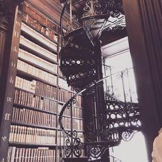 "Oana.WhatElseIsThereToSay🦋 on Instagram: ""Library fetish 💋#trinitylibrary #lovebooks #smellofbooks #history #artinwords #feelslikehome #paradiselost #cultureprint #irish #dublin…"""