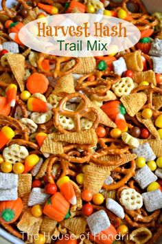 Delicious Harvest Hash Recipe - perfect for a Fall Snack, Halloween party, or gift for a neighbor. #Halloween |the House of Hendrix (Harvest Chex Mix)
