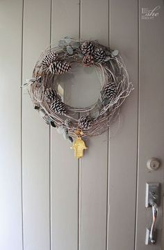 40-Minute Grapevine Holiday Wreath | Pine Cone Decorating Ideas For The Holidays