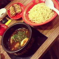 博多一幸舎 慶史 is a Ramen /  Noodle House in 福岡市中央区, 福岡県, Japan popular with Women.