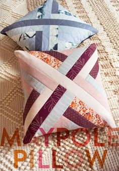 Fall Throw Pillows: Place throw pillows on a bare sofa to spruce up the furniture's design. Discover fantastic costs on toss pillows and decorative pi. Easy Hand Quilting, Hand Quilting Patterns, Modern Quilt Patterns, Pillow Patterns, Fun Patterns, Applique Patterns, Quilting Projects, Sewing Projects, Sewing Patterns