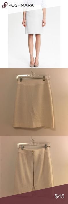 """Banana Republic • White Textured Cotton Skirt Lined on the inside. Size 0P. Marked 0 for more exposure. Would fit a standard small. Waist is 13"""" across (I am a 26 in pants). Length is 19"""". No low balls! Will keep if it doesn't sell Banana Republic Skirts Pencil"""