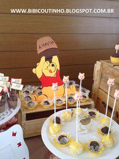 A Mamãe Pricila escolheu o Tema ursinho Pooh para a comemoração do Primeiro Aninho do seu pequeno João Gabriel! Desenvolvemos a festa com a...