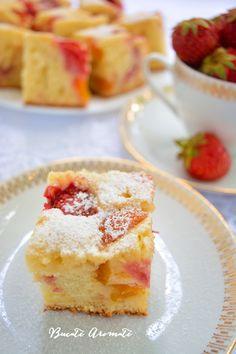 Prăjitură cu brânză şi fructe de sezon Romanian Desserts, Romanian Food, Romanian Recipes, No Cook Desserts, Just Desserts, Something Sweet, Desert Recipes, Cake Recipes, Sweet Treats