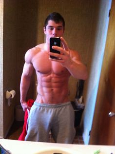 Now thats a stud #male #selfshot #hot #sexy #muscle #abs #chest #torso #model #penisline #bulge #mascular #muscle #gaydating #gaysex #m4m
