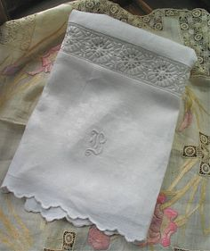 Huck Irish Linen Towel / Big Hand Towel with vintage embroidered eyelet OOAK by marypearlsvintage