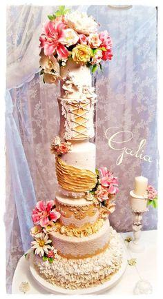 A large wedding cake :-) - Cake by Galia Hristova – Art Studio - CakesDecor