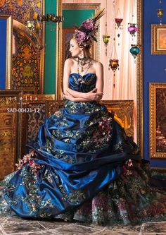 Stella de libero....this is the most gorgeous dress, that I would never wear but love to look at ^_^