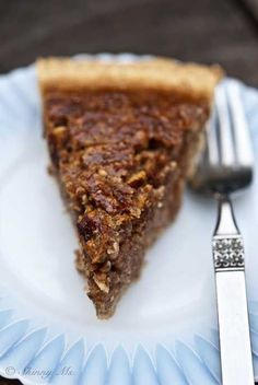 Slow Cooker Pecan Pie from SkinnyMs! The ultimate Thanksgiving dessert.