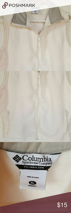 COLUMBIA SPORTSWEAR Women's Fleece vest EUC Columbia Sportswear cream color womens zip up vest. Front zip pockets. Size XL. Columbia Jackets & Coats Vests