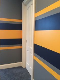 Easy to Learn Tricks and Tips to Painting Stripes in a Day Boys Bedroom Paint, Kids Room Paint, Diy Bedroom Decor, Decor Room, Kids Room Design, Wall Design, Interior Design Living Room, Striped Room, Striped Walls
