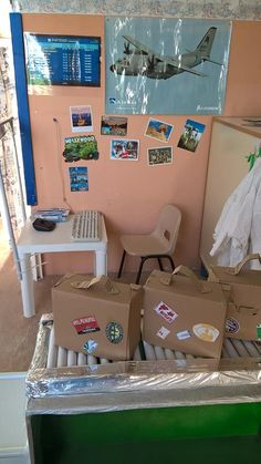 check-in e bagagli Airport Theme, Airport Check In, Transportation Theme Preschool, Cool Science Fair Projects, Outdoor Learning Spaces, Play Corner, Role Play Areas, Vacation Bible School, Camping Theme