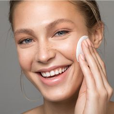 Shop our collection of clean, Non-Toxic and vegan skincare products. Australian made skincare you can trust to care for your skin. Sephora, La Roche Posay, Best Natural Skin Care, Clean Beauty, Face Care, Ladies Day, Healthy Skin, Your Skin, Make Up