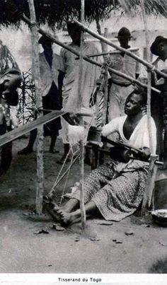 Africa | Weaver in Togo. Post stamped 1960. || Vintage postcard; publisher Chargeurs Reunis.