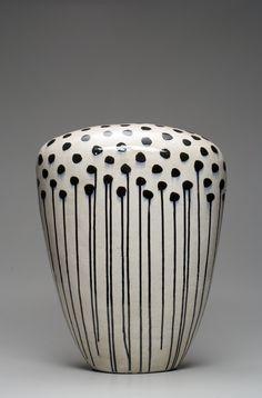 Best Ceramics Tips : – Picture : – Description Jun Kaneko -Read More – Ceramic Clay, Ceramic Pottery, Pottery Art, Glazed Ceramic, Pottery Designs, Pottery Ideas, Sculptures Céramiques, Sculpture Art, Earthenware