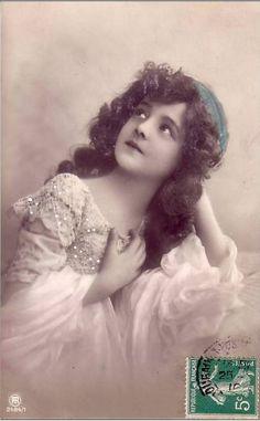 Маленькие принцессы на старинных открытках. Часть четвертая. Обсуждение на LiveInternet - Российский Сервис Онлайн-Дневников
