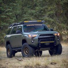 Going camping is a significant adventure. It is great during the spring, thanks to the amazing weather that makes its way to us during the season! Toyota 4x4, Toyota Trucks, Toyota Cars, Toyota Tacoma, Suv Trucks, Cool Trucks, Peterbilt Trucks, Chevy Trucks, Toyota Four Runner
