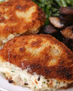 Garlic Herb Stuffed Pork Chops Uses boneless pork chops. These Garlic Herb Stuffed Pork Chops Are Everything You Need At The Dinner Table Tonight Pork Chop Recipes, Meat Recipes, Cooking Recipes, Recipes Dinner, Spinach Recipes, Pork Meals, Comida Keto, Low Carb Vegetarian Recipes, Bon Appetit