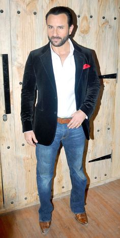 Saif Ali Khan looked handsome in a white shirt paired with blue jeans while promoting 'Happy Ending' on the sets of 'Ajeeb Daastaan Hai Ye'.