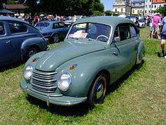 DKW – Wikipédia, a enciclopédia livre Old Classic Cars, Classic Sports Cars, Fiat 500, Vintage Racing, Vintage Cars, Super 4, Car Trailer, Trailers, Car Brands