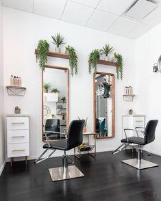 Home Hair Salons, Beauty Salon Interior, Salon Interior Design, Home Salon, Beauty Room Salon, Beauty Room Decor, Small Salon Designs, Small Beauty Salon Ideas, Small Hair Salon