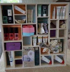 Konfirmasjonsgave/18-årsgave Shelving, Diy And Crafts, Gifts, Home Decor, Gingham, Shelves, Presents, Decoration Home, Room Decor