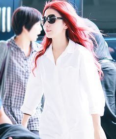 S.H.E's Hebe. Love her red hair!