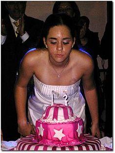 מסיבת בת מצווה עם עוגה ונרות