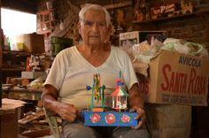 Gumersindo España, Don Shinda, juguetero guanajuatense, el gran maestro, responsable de que el juguete tradicional mexicano siga existiendo. #juguetemexicano #artepopular #mexicanfolkart