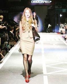 Чуть -чуть фешена в ленту). #показ #мода #fashion #style #model #dsquared #dsguared2 #gerl