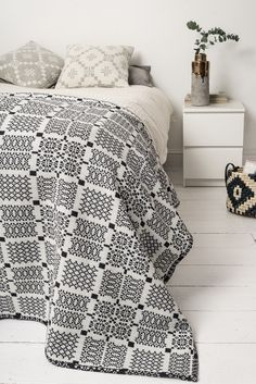 Melin Tregwynt Knot Garden Throw in Graphite, with Melin Tregwynt cushions and House Doctor DK accessories. Eyebrow Makeup Tips Monochrome Bedroom, White Bedroom, Welsh Blanket, Edwardian House, White Home Decor, White Houses, Soft Furnishings, Home Textile, Home Accessories