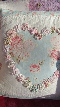 All Things Shabby and Beautiful I love this! heart applique with yo yos around the heart