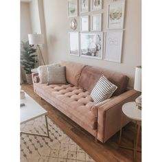 Beautiful Home Decor, Beautifully Priced – Sofa Design 2020 Pink Living Room, Pink Living Room Decor, Pink Couch Living Room, Apartment Living Room, Home Decor, Apartment Decor, Pink Sofa Living Room, Couches Living Room, Bedroom Decor