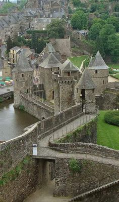 Bretagne ~ Fougeres ~ France – Amazing Pictures - Amazing Travel Pictures with Maps for All Around the World Places Around The World, Oh The Places You'll Go, Places To Travel, Around The Worlds, Travel Destinations, Castle Ruins, Medieval Castle, Medieval Fortress, Wonderful Places