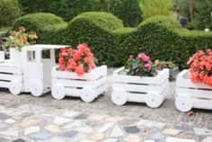 You'll Love This Amazing Crate Train Planter!
