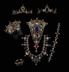 Historical Revival in Jewelry - Antique Jewelry University