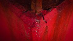 Fiumicino: astratto rosso   Per una grande parte della mia vita ho sognato cose così anche se nella maggior parte dei casi senza colori: erano inquadrature ravvicinate più foto che film immagini statiche dettagli e texture.  Niente storie.  Poi ad un certo punto sono...