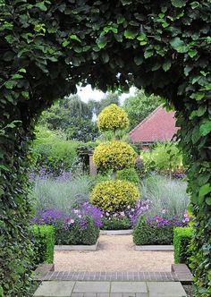 Beautiful garden   [entryway, focal point, texture, color coordination]